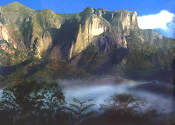 国内旅游 丽江 -> 五指岩风景区        五指岩风景区座落在永康市
